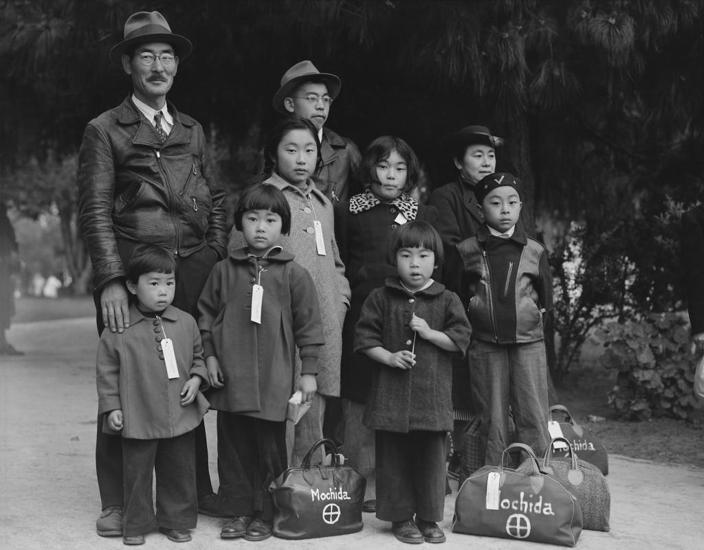 Photograph_of_Members_of_the_Mochida_Family_Awaiting_Evacuation_-_NARA_-_537505_-_Restoration